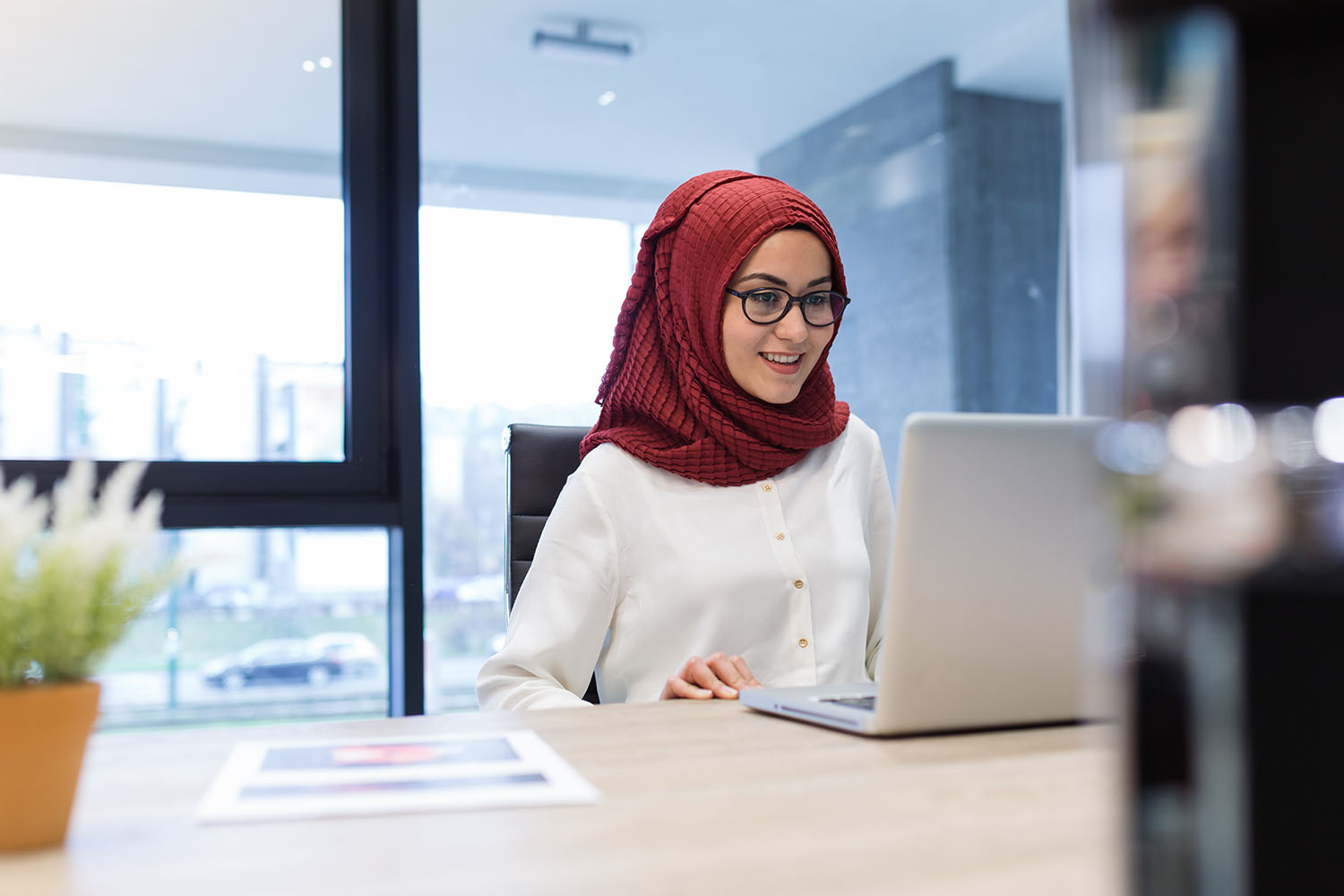 girl with laptop images
